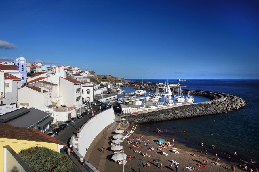 Read more about the article Limpeza à Marina de Angra