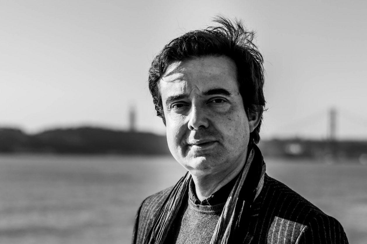"""Nuno Costa Santos: """"A Grotta pretende situar-se entre a atenção merecida a vozes afirmadas e a vontade de dar lugar a diferentes escritas e outras artes"""""""