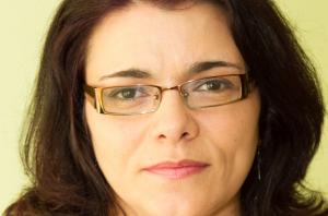 """Mini-Entrevista a Malvina Sousa: """"Este livro pretende alertar e ser uma voz contra a violência de género"""""""