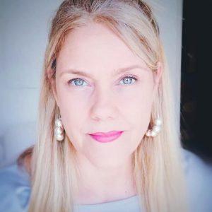 """Mini-Entrevista a Teresa Canto Noronha: """"Tantas pessoas parecem confundir jornalismo com pseudo-notícias sem qualquer credibilidade"""""""