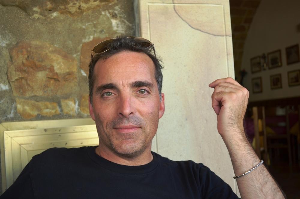 A viagem: Scott Edward Anderson em casa longe de casa – Entrevista