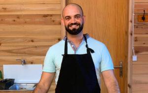 Read more about the article Gualter Rainha: «Pretendo que as pessoas aprendam a cozinhar vegetariano por ser saudável, e por ser igualmente essencial para a diminuição da pegada ecológica»