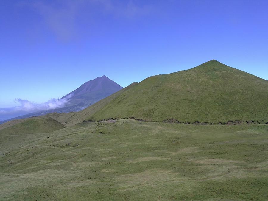 Planalto da Achada. As 13 Zonas Húmidas dos Açores